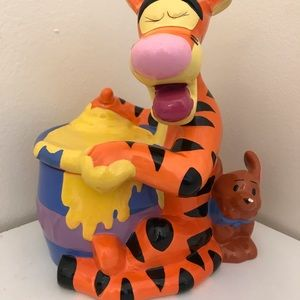 Tigger & Roo Canister/Figurine